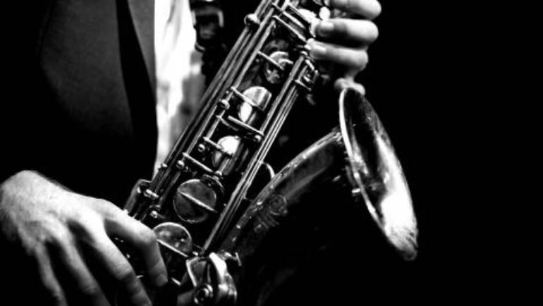 La magia del sax nella scuola di musica Novecento